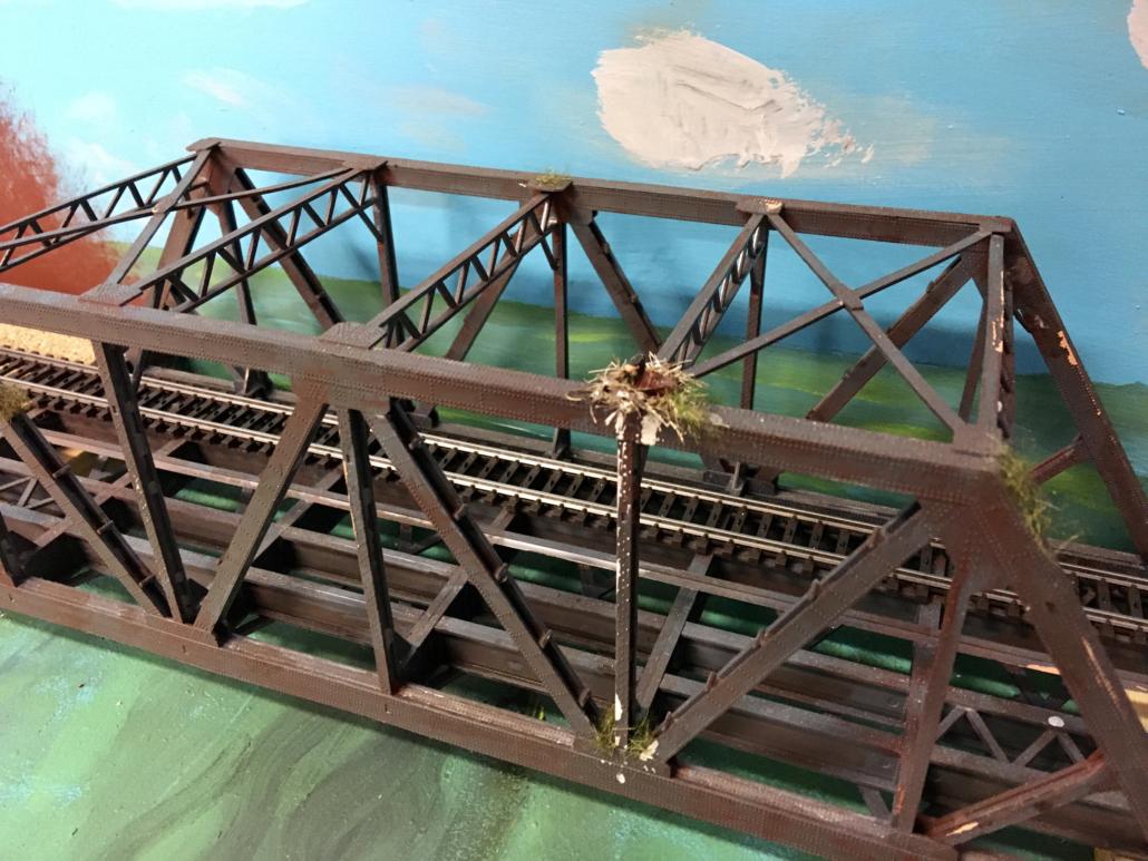 fuglerede på broen.